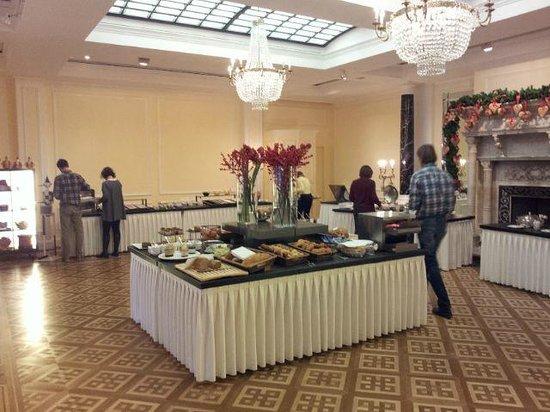 Victoria Jungfrau Grand Hotel & Spa : Breakfast offer