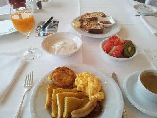 Victoria Jungfrau Grand Hotel & Spa : Breakfast