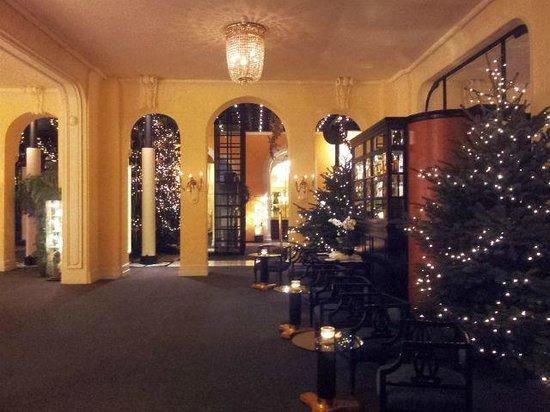 Victoria Jungfrau Grand Hotel & Spa: Hotel Lounge