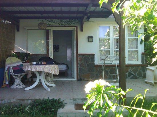 Kuxville Beach Cottages: moritz - terrasse privée