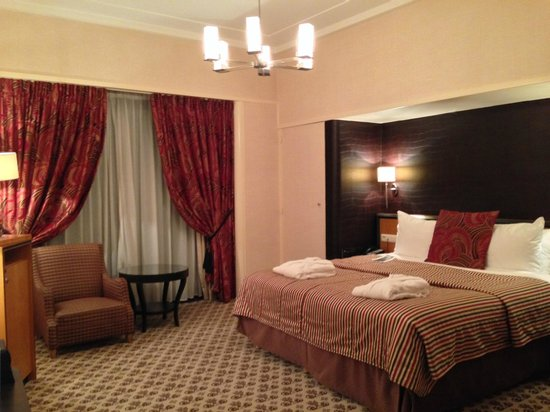 Hotel Metropole : Bedroom