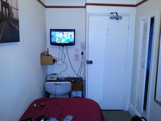 Avis Hotel: The smallest room?