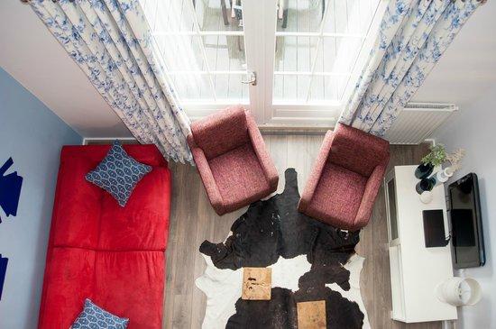 Vide In Woonkamer : Vanaf de vide uitzicht in de woonkamer foto van appartementen