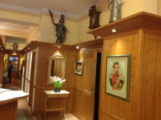 Hotel Eder: 木造の落ち着いたホテルです