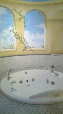 Hotel Alba Palace : Vasca idromassaggio in camera