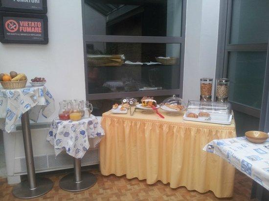 Zen Room&Breakfast: buffet colazione dolce e salato