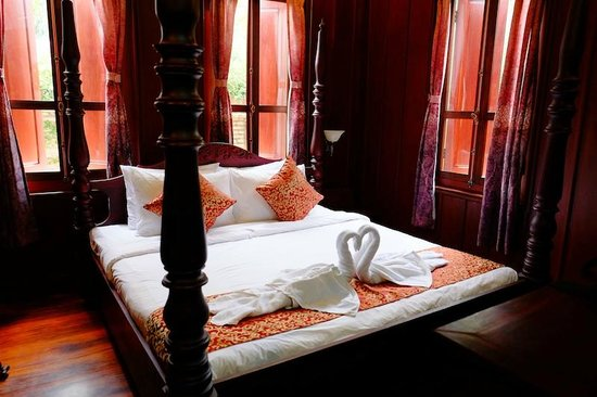 Lakhangthong Boutique Hotel: Bed