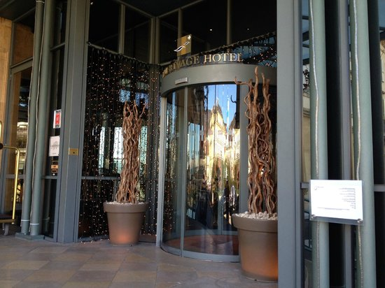 Beau-Rivage Hotel: Entrée principale