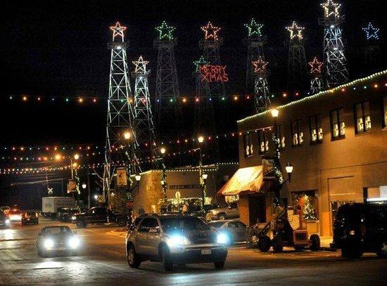 Marhaba Inn & Suites: Christmas lights of Kilgore