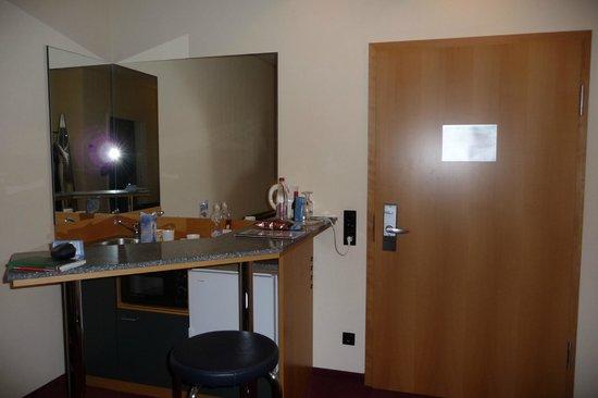 NH München Unterhaching: cucina di dotazione interna alla camera