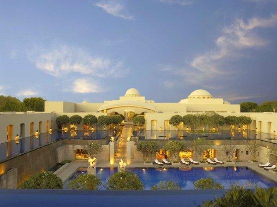 โรงแรมไทรเดนท์ กูร์กาออน