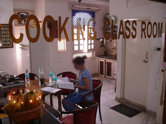 Hotel Krishna Niwas : Shusma cooking classes!!!!