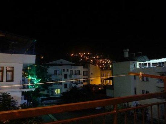 Meltem Pansion: balkondan bir kaş manzarası