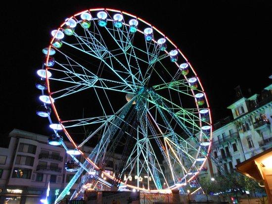 Mercato di Natale di Montreux (Montreux Noel): ruota