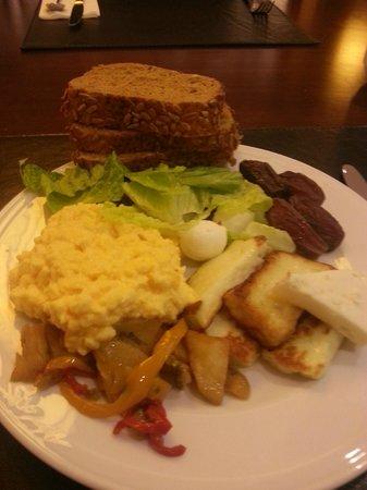 Retaj Royale Istanbul : Breakfast on a lucky day