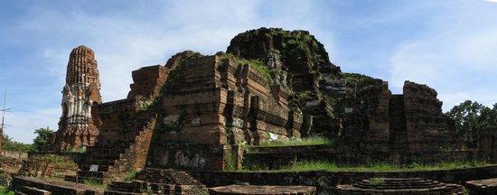 Wat Mahathat : Central Ruins