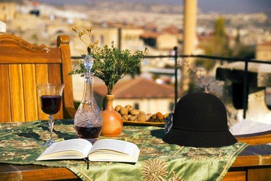 Perimasali Cave Hotel - Cappadocia: Terrace view