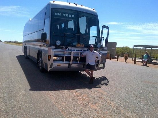 Kata Tjuta (The Olgas) : Tony, our driver on the Emurun out to Uluru and the Olgas