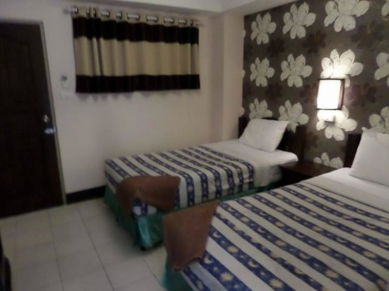 Thaphae Garden Guesthouse : beds