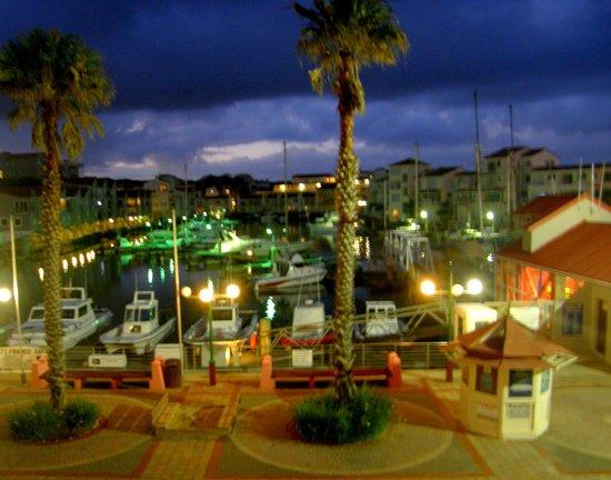 Port St Francis, Afrique du Sud : Night scene over Marina