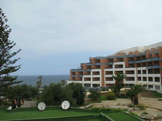 Dolmen Resort Hotel: вид из номера рано утром