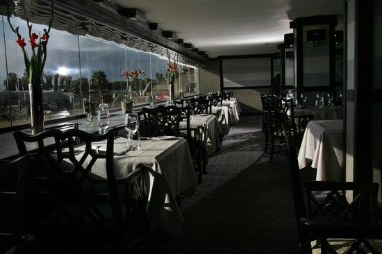 Pacific Bistro and Sushi Bar: מסעדה