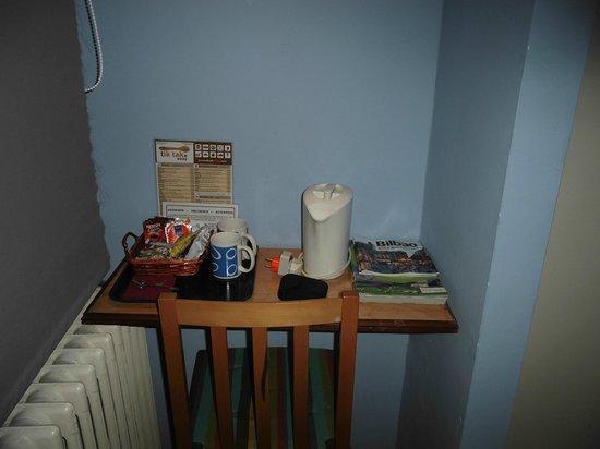 Hostal Central: Detalle café, té y galletillas