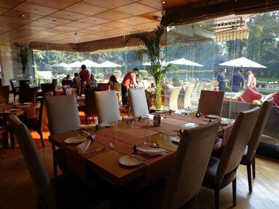 Shangri-La's Eros Hotel : Restaurant