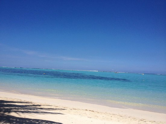 Paradis Beachcomber Golf Resort & Spa : View from our loungers