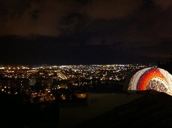 Restaurante Amador : Night view.