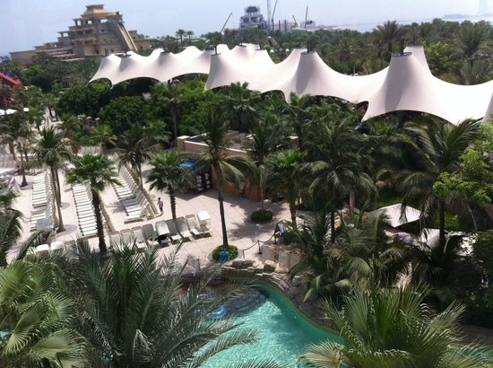 Atlantis, The Palm: pool area