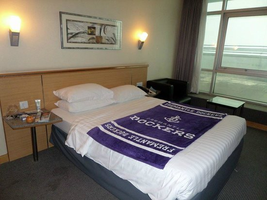 Bayview Hotel Singapore: Comfortable guest room