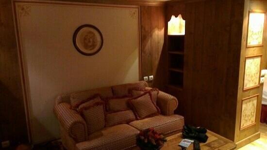 Hotel de la Loze: le salon de la suite
