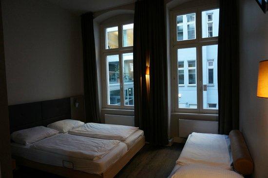 MEININGER Hotel Berlin Mitte Humboldthaus: Номер