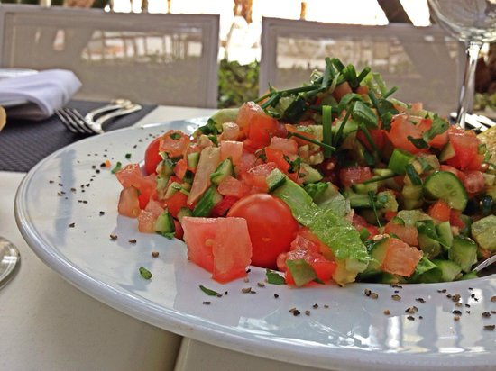 Isrotel Dead Sea Hotel & Spa: Обед на пляже - это святое