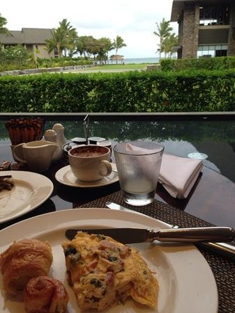InterContinental Fiji Golf Resort & Spa: sanasana restaurant buffet breakfast