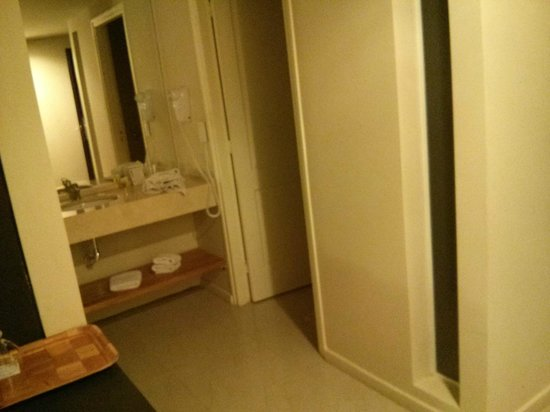 Uno Buenos Aires Suites : Banheiro limpinho