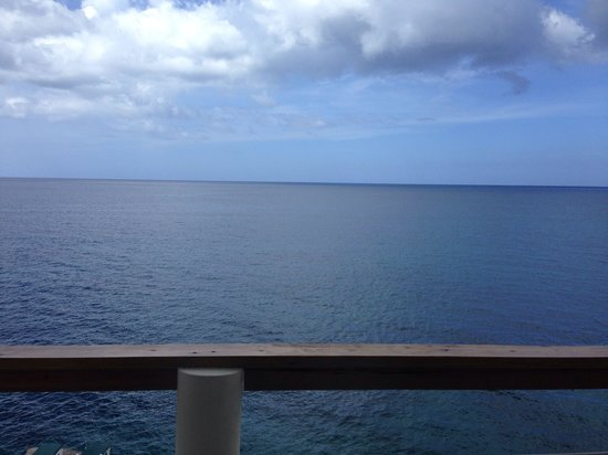 Home Sweet Home Resort: View from balcony - Cliffside Suite
