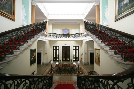 Middleton Park House: Our magnificent hall and staircase.