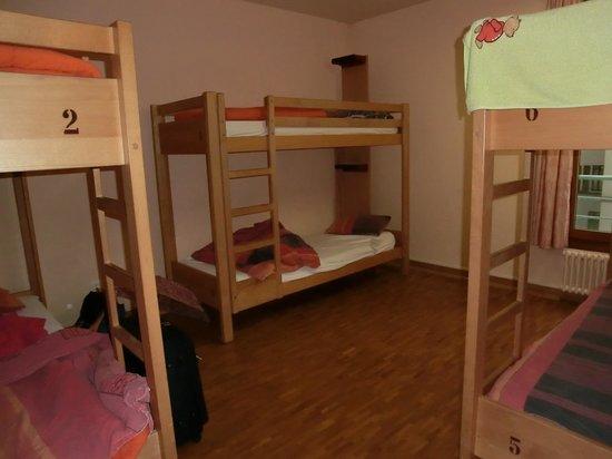 Geneva Hostel: ベッドルーム