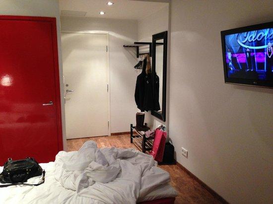 Hotelli Finn: Chambre Entrée