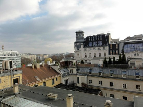 Mercure Secession Wien: View from room window (420)