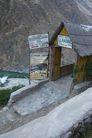 Llahuar Lodge: Entry
