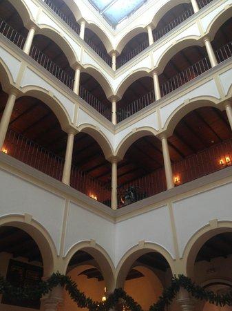 Vincci La Rabida Hotel: Hall bonito.... sevillano