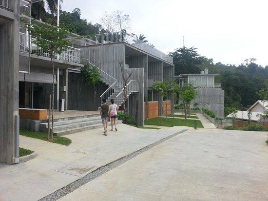 Belum Rainforest Resort : concrete structure - note the lower level