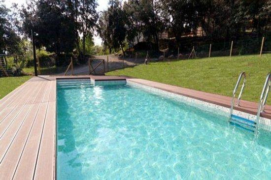 El Bosqueró de La Garrotxa: Zona de piscina, protegida para la seguridad de los más peques