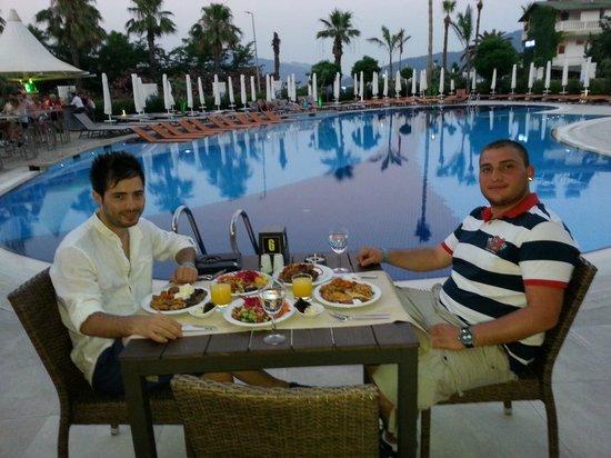 Casa De Maris Spa & Resort Hotel: Güzel bir akşam
