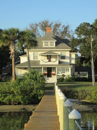 Night Swan Intracoastal Bed and Breakfast: Main house from their dock..