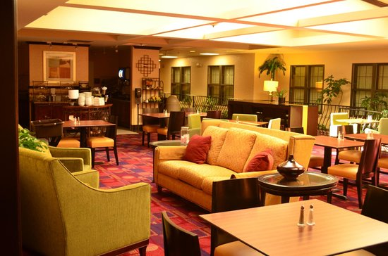 Residence Inn Kansas City Country Club Plaza: Lounge
