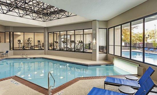 Wyndham Atlanta Galleria : Indoor outdoor heated pool with Fitness Center